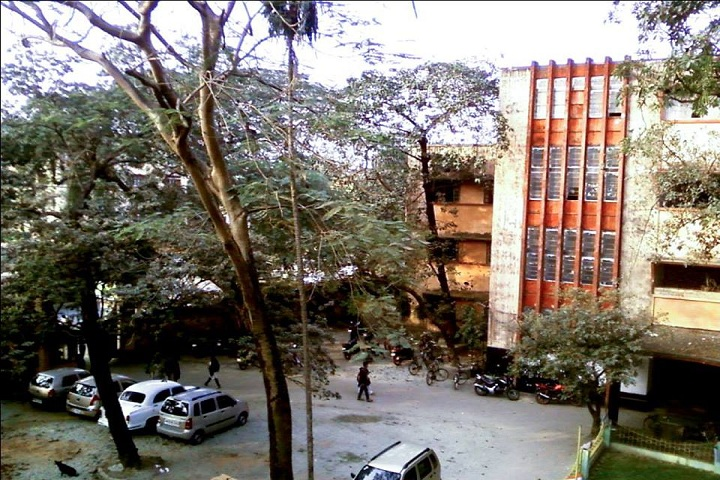 https://cache.careers360.mobi/media/colleges/social-media/media-gallery/8418/2018/12/28/Campus View of Vivekananda College Thakurpukur_Campus View.jpg